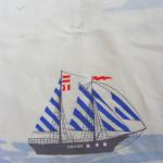 Šaty s plachetnicí